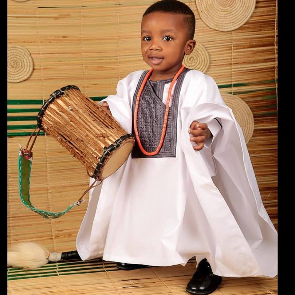 7b48c2f5d9c African Clothing for Boys - White   Gray Dashiki for Boys - AFRICA BLOOMS